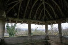 Eglise - Français:   Vues de Couvonges. La vallée de la Saulx depuis le porche de l\'église Saint-Brice.