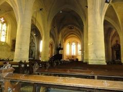 Eglise Saint-Hilaire - Longeville-en-Barrois (Meuse) église, intérieur, piliers du nef
