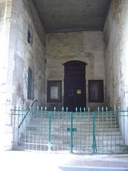 Ancienne abbaye - Abbaye de Saint-Mihiel (Meuse, France). Escalier d'accès à la galerie, côté palais de justice