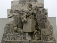 Terrains de zone rouge sur la butte - English: World War I Monument on Butte de Vauquois, France.