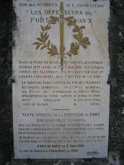 Fort de Vaux (également sur commune de Damloup) -  Fort de Vaux - Plaque de la reddition