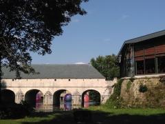 Pont-écluse Saint-Amand - Français:   Oh les jolies bulles,passeront-elles sous l\'écluse du pont Saint-Amand?