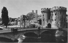 Porte Chaussée (porte et passage entre deux tours) - Nederlands: Briefkaart van de poort van Verdun