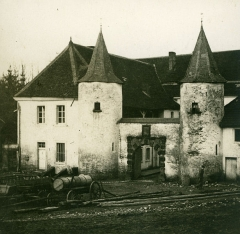 Château et fortifications - English: View of the old section of the castle, about 1912