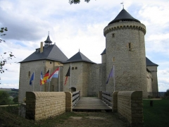 Ruines du château de Mensberg, dit aussi château de Malbrouck -  Château de Malbruck, Dép. Moselle, Lorraine