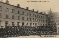 Ancienne caserne du Cloître, lycée de garçons - Deutsch: Klosterkaserne in der Rue Saint Vincent