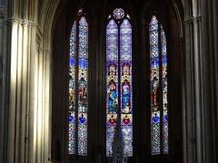 Eglise Saint-Vincent - Français:   Vitraux du coeur de la basilique Saint-Vincent.