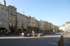 Maisons - English: Saint-Louis square in Metz, arcades side