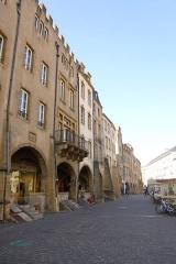 Maison - English: Medieval facades on the Saint-Louis square in Metz
