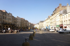 Maison - English: Saint-Louis square in Metz, with both sides.