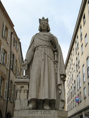 Maison - English: Statue of Saint-Louis, Metz, France