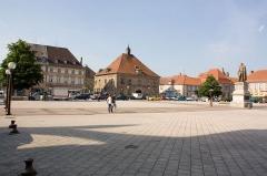Hôtel de ville -  La Place d'Armes de Phalsbourg,  Phalsbourg, Moselle