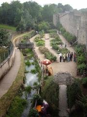 Anciennes fortifications -  JardinMedievalRodemack.jpg