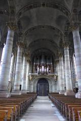Eglise Saint-Nabor - Deutsch: Ehemalige Abteikirche St. Nabor (St. Avold), Kirchenschiff mit Blick zur Orgelempore