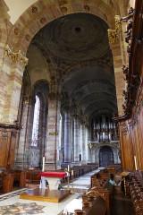 Eglise Saint-Nabor - Deutsch: Ehemalige Abteikirche St. Nabor (St. Avold), Blick vom Chor ins Kirchenschiff