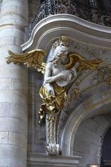 Eglise Saint-Nabor - Deutsch: Ehemalige Abteikirche St. Nabor (St. Avold), Engel an der Orgelempore