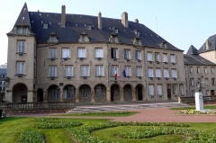 Couvent des Clarisses - Lëtzebuergesch: D'Stadhaus vun Diddenuewen