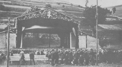 Théâtre du Peuple - English: Photograph of Maurice Pottecher's Théâtre du Peuple (People's Theatre) at Bussang in 1895.