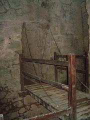 Forteresse -  pont levis de chatel/moselle en contrebas d'un assomoir
