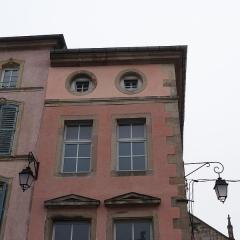Maison - Français:   Epinal: 23 place des Vosges, maison inscrite aux MH en 1926