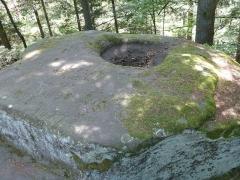 Zone archéologique - Français:   La Pierre d\'Appel, site de hauteur fortifié à Étival-Clairefontaine (Vosges)