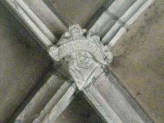 Eglise - Deutsch: Verzierter Schlussstein eines vierteiligen Kreuzrippengewölbes, Kirche Saint-Mansuy de Fontenoy-le-Château, Vosges, Frankreich.