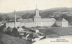 Ancienne abbaye - Français:   Abbaye de Moyenmoutier au début du XXème siècle; l\'usine textile n\'est pas encore construite devant l\'édifice
