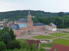 Ancienne abbaye - Français:   Abbaye de Moyenmoutier (Vosges): aménagement des espaces verts en cours
