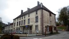 Ancienne abbaye - Français:   Bâtiment agricole sud de la 2ème abbaye, transformé en maison d\'habitation