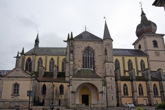 Abbaye - Deutsch: Abteikirche Saint-Pierre in Remiremont von Norden