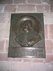 Petite église attenant à la cathédrale (Eglise Notre-Dame) -  Effigie de Mgr. Caverot, évêque de Saint-Dié (Eglise Notre-Dame de Galilée à Saint-Dié-des-Vosges)