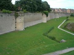 Enceinte fortifiée -  Remparts créé par Vauban, qui tracent le contour de Bergues.