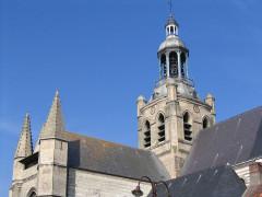 Eglise Saint-Jean-Baptiste -  Eglise Saint-Jean-Baptiste. Voir fr:w:Bourbourg