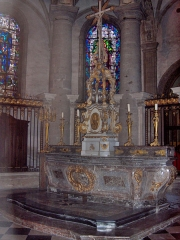 Eglise Saint-Martin - English: Marble altar in the apse of the abbatial church of Saint-Martin (17th century)  Le Cateau Cambrésis, France