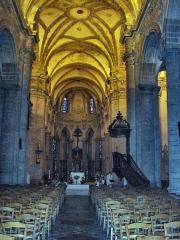 Eglise Saint-Martin - English: Nave of the abbatial church of Saint-Martin (17th century)  Le Cateau Cambrésis, France