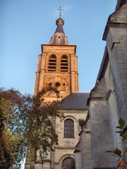 Eglise Saint-Martin - English: Bell tower of the church of Saint-Martin (17th century) Le Cateau Cambrésis, France