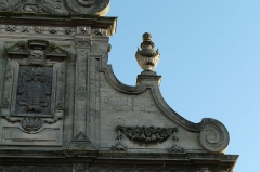 Eglise Saint-Martin - English: Detail of façade of Saint-Martin's church in Le Cateau, France