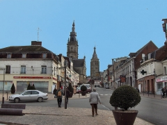 Hôtel de ville - English: View on Le Cateau Cambrésis, France, with the belfry and the church of Saint-Martin