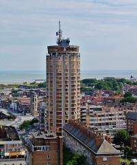 Tour du Leughenaer - Deutsch: Blick vom Belfried auf den Reuze-Turm, Dünkirchen, Département Nord, Region Oberfrankreich (ehemals Nord-Pas-de-Calais), Frankreich