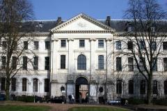 Hospice général -  L'hospice Général de Lille, siège de l'IAE de Lille de l'Université de Lille 1.