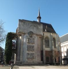 Palais Rihour - Nederlands: Het indrukwekkende oorlogsmonument van Rijsel (Frankrijk) op de Place Rihour, tegen de kapel van het voormalige middeleeuwse paleis van de hertogen van Bourgondië.