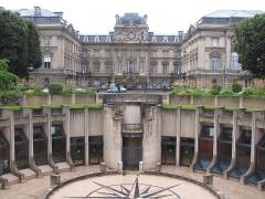 Préfecture - Deutsch: Place de la Republique, Metro, La Préfecture du Nord - Lille, France - Foto Wolfgang Pehlemann Steinberg IMG_1533