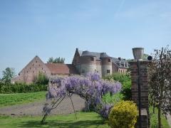 Château-ferme - English: Château de Montmonrency at Montigny-en-Ostrevent, France.