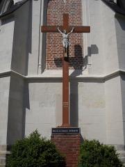 Eglise Saint-Nicolas - English: The crucifix outside the church of Péronne-en-Mélantois, Nord, France.