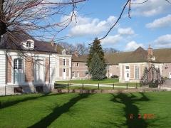 Château de Bernicourt et sa ferme -  Roos-Warendin Chateau de Bernicourt 001