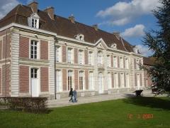 Château de Bernicourt et sa ferme -  Roost-Warendin Chateau de bernicourt Façade principal