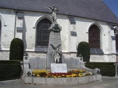 Eglise - English: War memorials of Santes