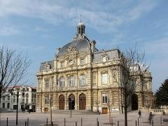 Hôtel de ville - Français:   L'hôtel de ville de Tourcoing (Nord, France).