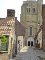 Eglise Saint-Gilles -  La rue de l'Église à Watten