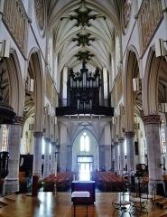 Eglise Saint-Joseph - Deutsch: Langhaus der Kirche St. Joseph, Roubaix, Département Nord, Region Oberfrankreich (ehemals Nord-Pas-de-Calais), Frankreich